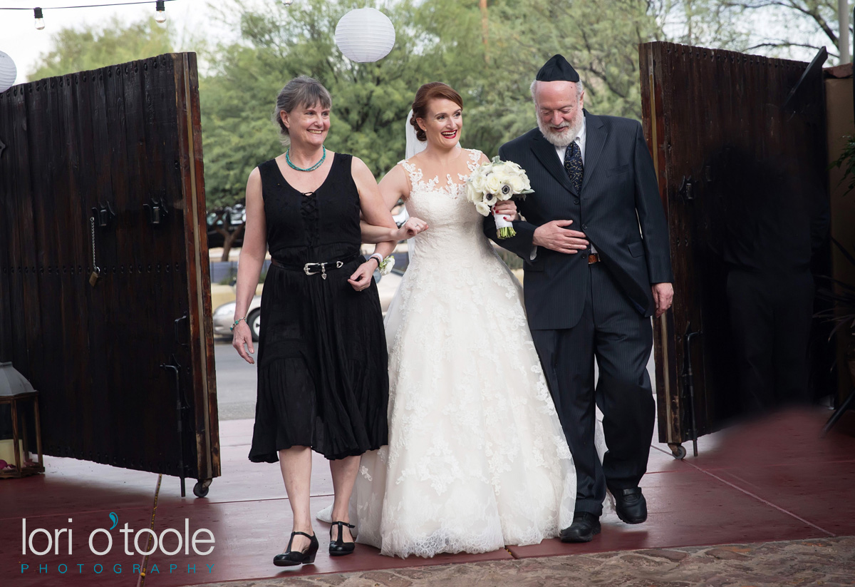 Stillwell House and Gardens; Lori OToole Photography; Clare and Rob wedding
